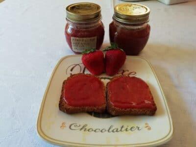 Marmellata di fragole e mele